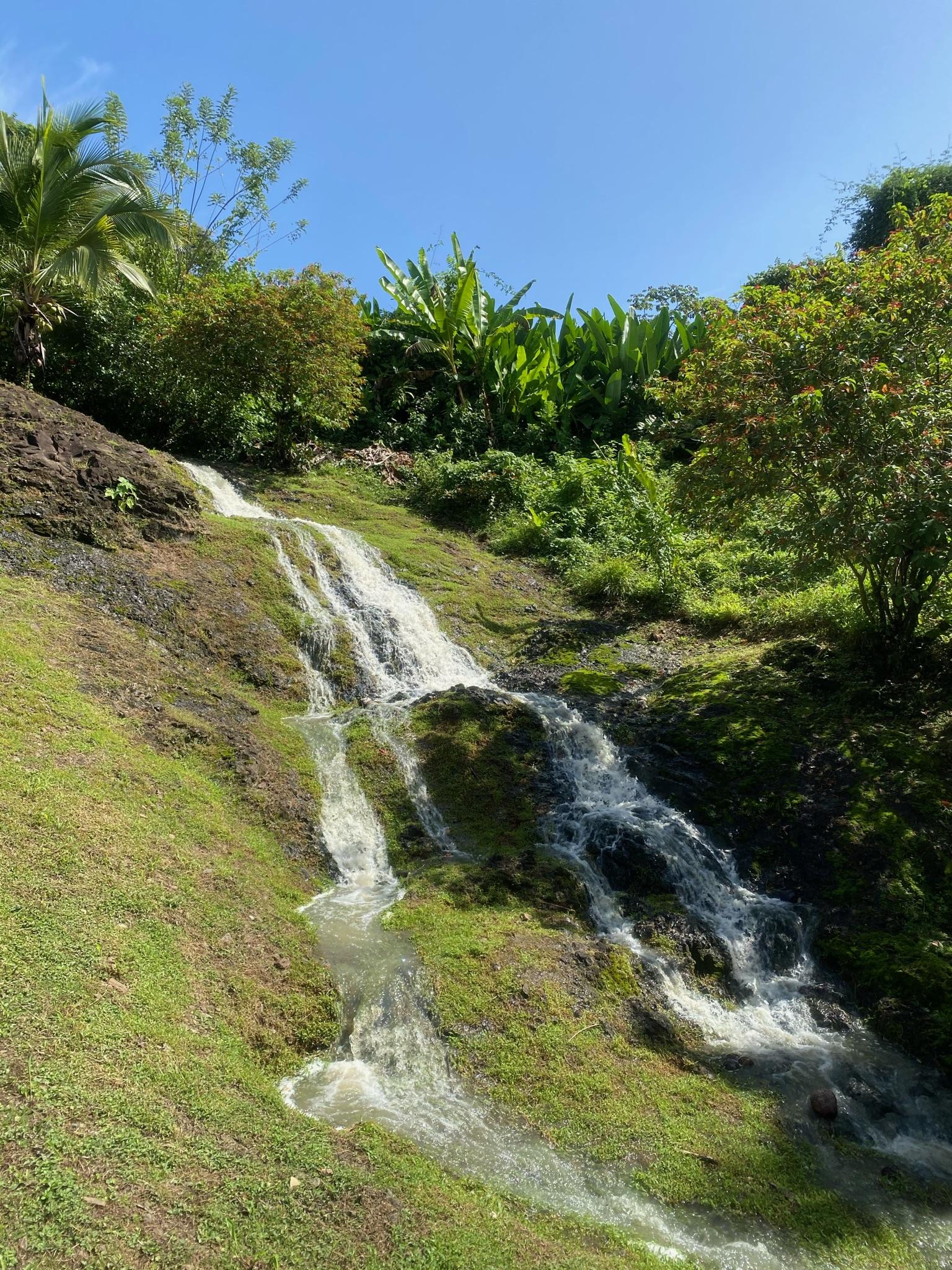 waterfall isla pastores
